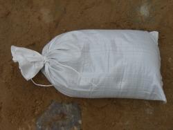 Gefüllte Sandsäcke PP Polyprohylene weiß